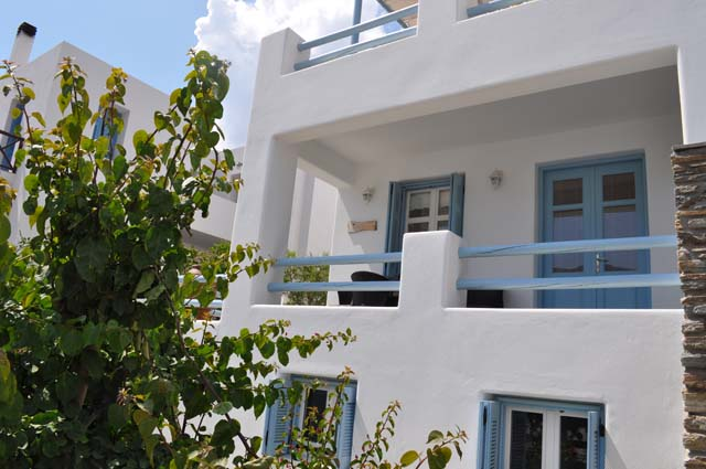 andros-apartments-anemomilous